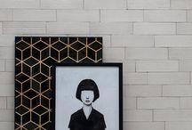 Coleção Bianco Colore / A novidade reúne argilas finas selecionadas, de revestimento cerâmico extrudado, em tons de branco. Conta também com peças decoradas com design de superfície, inspiradas na região da Provença, França, e que podem criar belíssimos patchworks personalizados em projetos. Desenvolvidas em processo artesanal, são também teladas, de instalação simplificada. Os hexágonos também compõem a coleção, com a delicadeza dos relevos de superfície imprimindo personalidade aos ambientes.