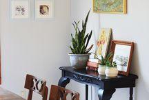 Arranging / Arranging tables, bookshelves, buffets...