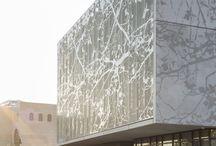 Sun shading facade