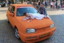WK Knuffelauto / projecten die gedaan zijn met tapijt van Desso die niks te maken hebben met open en dichte trappen bekleed of gestoffeerd met sisal of tapijt