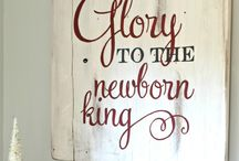 Glory to the new born king sign