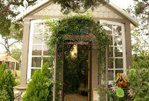 Garden structures / Sheds, arbors, walls