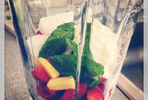 Spring smoothie!!! / Strawberries, lowfat yogurt, 1or 2 ice cubes (optional), ginger and mint leaves.