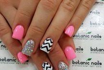 nails / pretty nail aieas