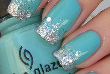 blauw/groen nagels