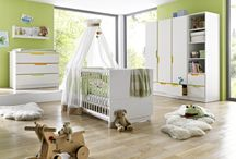 • Chambres Bébé • / BamBinou a fait pour vous une sélection de chambres Bébé de qualité. Le lit pour bébé, l'armoire, la commode table à langer tous les meubles des marques Geuther, Mathy By Bols et Pinolino. Une chambre classique et fonctionnelle qui dure dans le temps pour bébé.