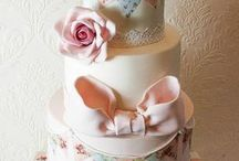Fancy Cakes and Cupcakes / by Maria Calderone
