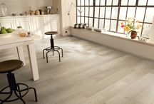 Our Vecchio laminate flooring / A wide range of effects - from the traditional tones of Natural Oak to the contemporary colouring of Lyed Oak - the choice is yours