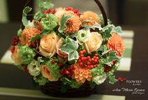 Autumn flowers / Floral design with autumn flowers