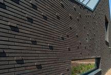Projecten / #livingbricks Hoe bijzondere keramische gevelstenen elk gebouw tot leven brengen #gevelstenen #bricks #brickarchitecture #bakstenen #keramischestenen