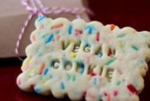 * Cookies * / Cookies + vegan = win-win! / by VeggieBoards