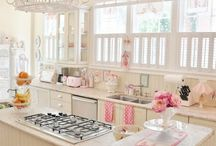 Kitchen Supreme / by Nina Vintage