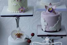 Mini cakes by Icing and Crumbs