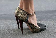 Pantofi stiletto online 2014 / Pantofi stiletto online, cu toc inalt si varf ascutit, pantofi office sau pentru ocazii speciale pe care ii poti cumpara de la magazinele online cele mai apreciate din Romania.