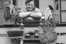Nijvere meisjes. De grote schoonmaak. / Herinneringen aan de periode Lagere Huishoud en Nijverheid Onderwijs. 1973 1977