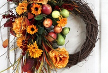 WREATHS AND DECORATIONS