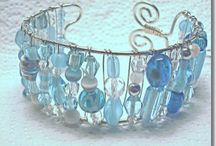 Crafts-DIY jewelry-beaded / by Lorna Coulthart
