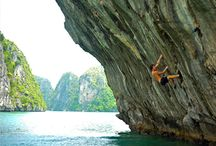Breathtaking Beauty of Ha Long Bay / #HaLongBay the most beautiful bay in the world has breathtaking natural scenery. Those who want an exotic adventure should not miss the chance to embark themselves into Vietnamese natural areas.