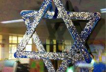 Hanukkah Crafts / Tons of creative ideas for Hanukkah! Pasta or lego menorahs, window and wall decor and more!!