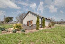 Cottage garden house
