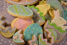 Easter Cookies / Hand piped Easter themed cookies from Lily's Cookies in San Antonio.