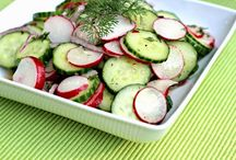 Lunch: Salad Recipes / Scrumptious recipes for all kinds of salads like coleslaw, seafood, gelatin, fruit, leafy, wraps, pasta, potato and more. Board includes recipes for tasty salad dressings.
