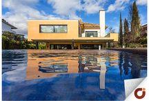 Chalet Mirasierra / Vivir en el paraíso sin salir de Madrid, no hay mejor forma de explicar la sensación que transmite esta preciosa vivienda en Mirasierra. Con una gran extensión de zonas ajardinadas en una parcela de más de 1.500m2, conforman un espacio que invitan al relax. Consulta más información a través de nuestra web: http://www.gilmar.es/…/Fuencarral-El-Pardo/Mirasierra/91631/ o en el número de teléfono: 91 771 77 77 Vivienda Referencia 91631