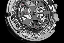 Tag Heuer / C'est l'une des plus grosses marques de montres suisses. Elle est spécialisée dans les garde-temps plutôt sportifs.