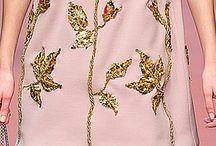 róże na sukience