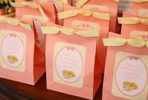Gift Bag Ideas / by Aisha E