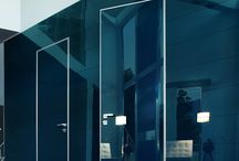 Door like a mirror