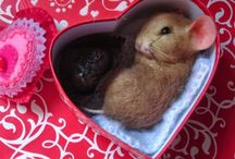 Valentin's day chocolate candy heart mouse Robin Joy Andreae