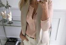С серой блузкой