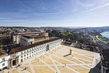   Lusa Luso ♥ Coimbra   / A l'intérieur des terres et au coeur du Portugal, Coimbra est une ville chargée de symboles comme le rio Mondego qui la baigne.Son université, une des plus anciennes d'Europe, fut pendant 600 ans, jusqu'en 1911, la seule du pays. Elle a été le formidable creuset où s'est forgée peu à peu l'unité du Portugal, Etat-nation le plus ancien d'Europe dans ses frontières actuelles.