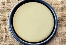 Chalk Paint® Cream / Chalk Paint® decorative paint by Annie Sloan