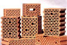 Akcesoria dachowe Poznań / Hurtownia pokryć dachowych Poznań oferuje szeroki wybór takich produktów jak dachówki, rynny, pustaki.