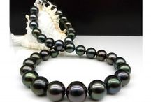 Black Pearls / All things pearly