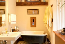 Bathrooms / by Catherine Aileen