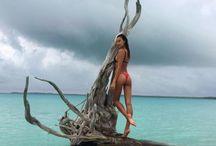Celebrity Beach Bodies / by ExtraTV