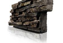 LA PIERRE NATURELLE que nous travaillons / La société Haroche Gwenaël, basée à Crac'h, près de Vannes dans le Morbihan (Bretagne) dispose d'une équipe de tailleur de pierre professionnel. La taille de pierre reste un savoir-faire ancestral auquel nous tenons et qui permet aussi de faire perdurer les carrières de granit de notre région. Notre goût pour l'architecture contemporaine nous amène aussi à utiliser de la pierre collée (placage) avec un choix de coloris plus large, mais toujours en pierre naturelle.