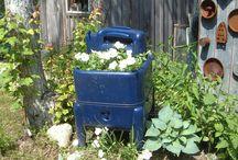 Garden Ideas / by Linda Pieratt