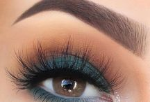 Maquillaje azul