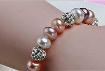Wunderschone Armband Süßwasser Perlen und Cristal Kugeln 12 Gram  19,90 Euro
