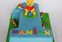 Winnie the pooh 1 st birthday