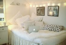 Tumblr inspiration for rooms  / For all those common white girls who love staying organised with cute furniture