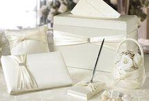 Ivory Wedding Ideas / http://weddingskenya.com