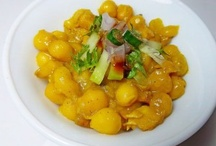 Indian Street Food / Delicious and irresistible Indian street food a.k.a Chaat.