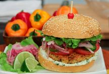 Healthy Veg Burger / Mix your love with some French beans, carrots, green chilies, black pepper, coriander and cooked dalia.