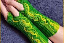 crocheting fingerless gloves