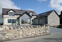 Trefalyn / A New Build timber-frame with Aluminum windows and a ground floor heat pump
